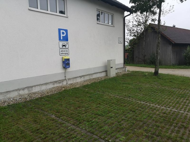 Paunzhausen Sportplatz - DE-BLN-E-85356005 und DE-BLN-E-85356005-2-Bürger-Ladenetz